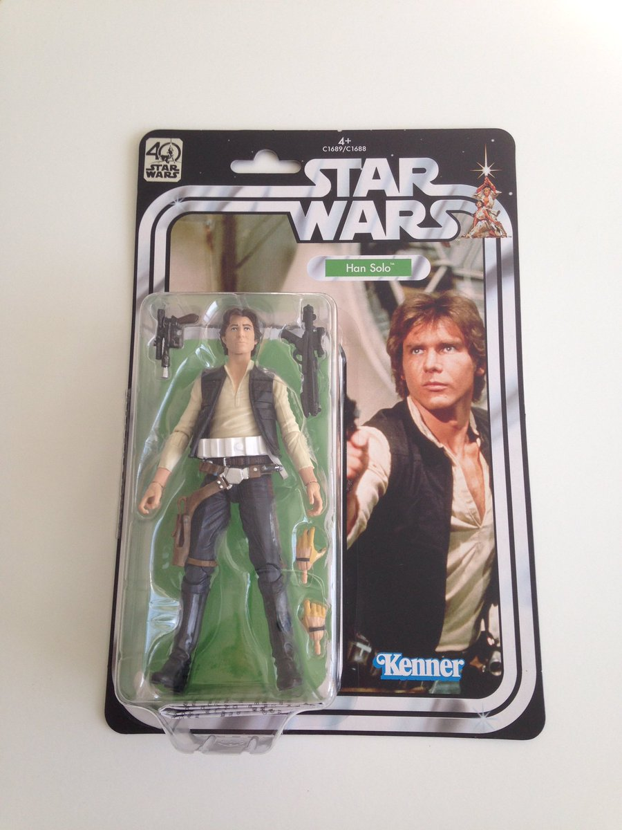 My mum is the most feared toy hunter in the galaxy! She got me TBS6 40th #Han &amp; #R2 on Fri! They live in Aberdeen just now. @futureotforce<br>http://pic.twitter.com/Ea8zDaYpO6