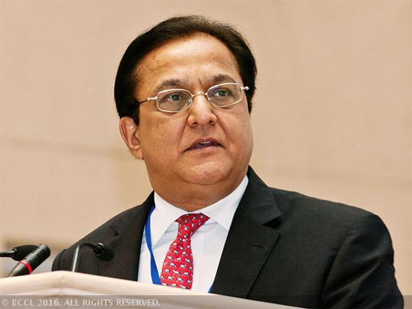 .@RanaKapoor_: Banking market in India is going through precipitation...
