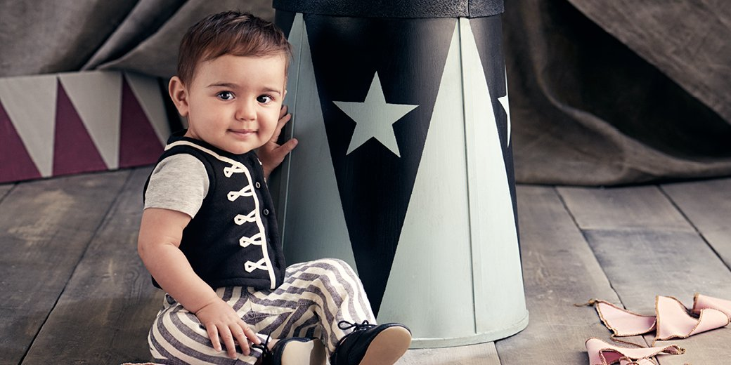 A unique collection for newborns and babies made for comfy play-friendly fits:  http:// hm.info/17tb2  &nbsp;    #HMKids <br>http://pic.twitter.com/1o1N11mhvL