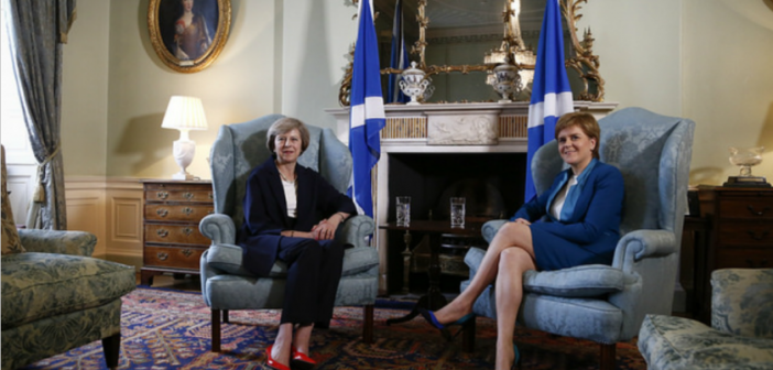 #TheresaMay rencontrera l&#39;indépendantiste écossaise #nicolasturgeon -  http:// bit.ly/2nEHIYB  &nbsp;   #Politique #Brexit<br>http://pic.twitter.com/DxnRZCXFeQ
