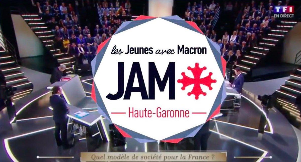 Beaucoup de monde lundi dernier à la support party des @JeunesMacron31 ! Voici la video recap !  #Macron2017  https:// youtu.be/JN8YqcLqM6o  &nbsp;  <br>http://pic.twitter.com/HaK8IFsz12