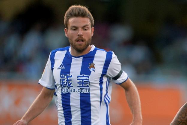 Foot - ESP - L&#39;Espagne sans Asier Illarramendi contre les Bleus  http:// dlvr.it/NkrcVk  &nbsp;   #Breaking #BreakingLive<br>http://pic.twitter.com/xtL3GqVsSH