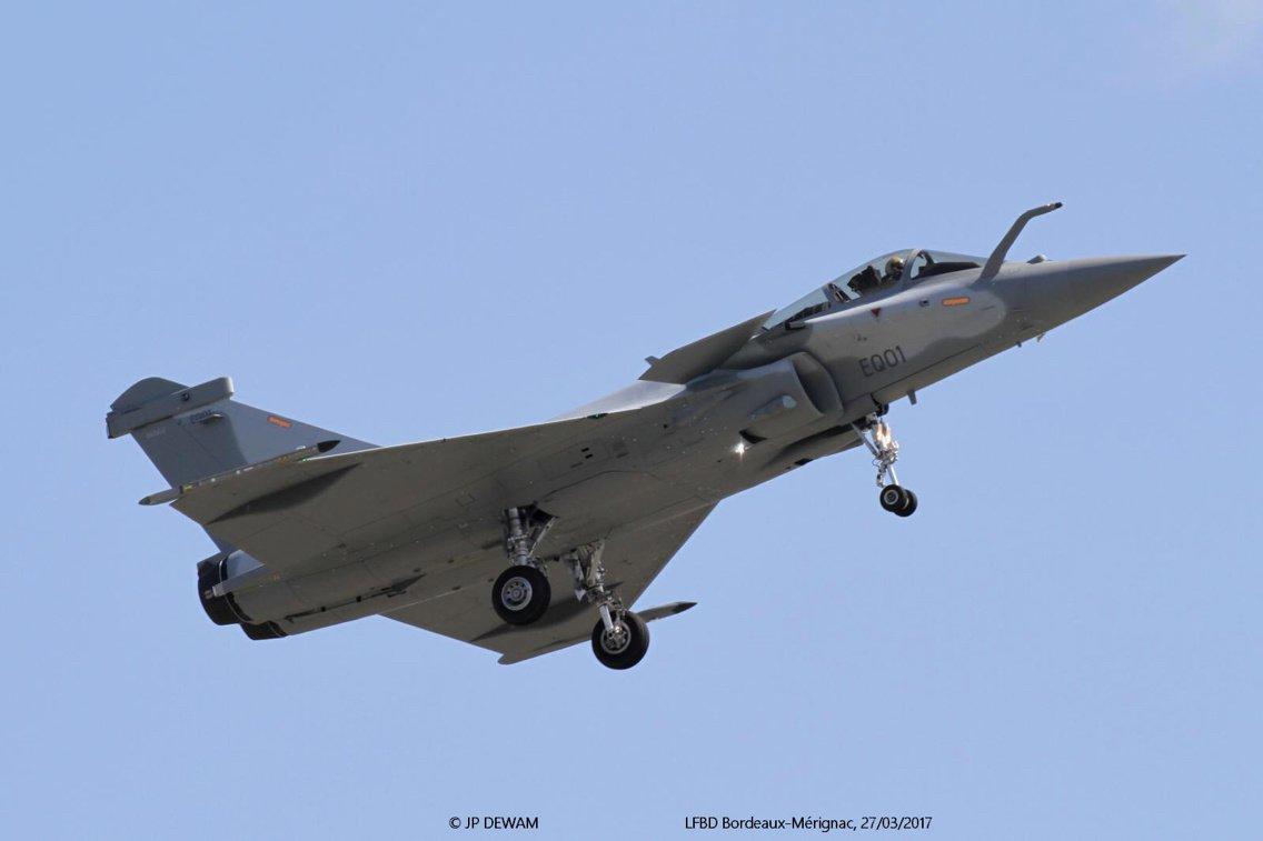 المقاتلات العربية للخطوط الأمامية C7863OSVMAAoLl8