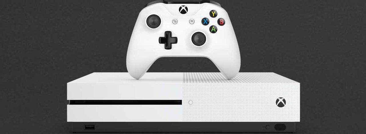 Comment les fans Xbox ont changé Microsoft : les leçons tirées du lancement #XboxOne  http://www. xboxygen.com/News/24613-Com ment-les-fans-Xbox-ont-change-Microsoft-les-lecons-tirees-du-lancement-Xbox-One?utm_source=Sociallymap&amp;utm_medium=Sociallymap&amp;utm_campaign=Sociallymap &nbsp; … <br>http://pic.twitter.com/TQYAYFduyt