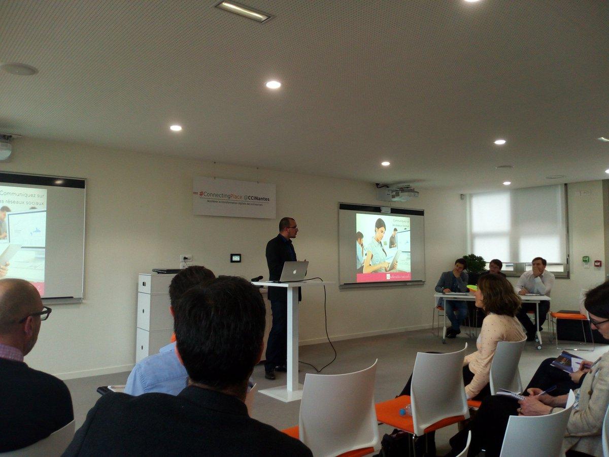 Pitch n°2 : @ModeratoSocial chez #on&#39;innov @adnouest pour mettre les réseaux sociaux à portée de tous les salariés<br>http://pic.twitter.com/EMdRA0VU6n