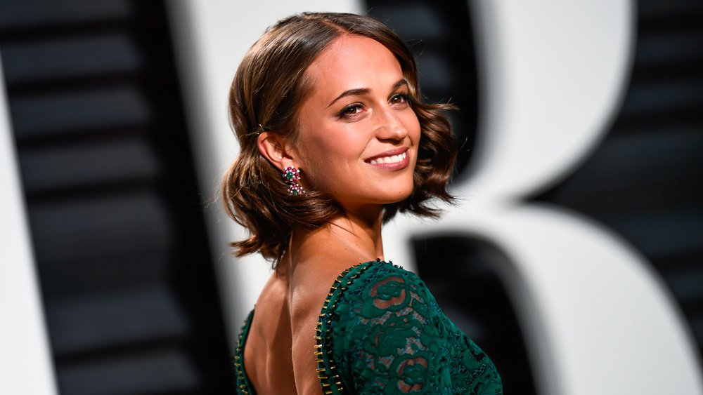 #TombRaider: Take a look at the first photos of Alicia Vikander as Lar...