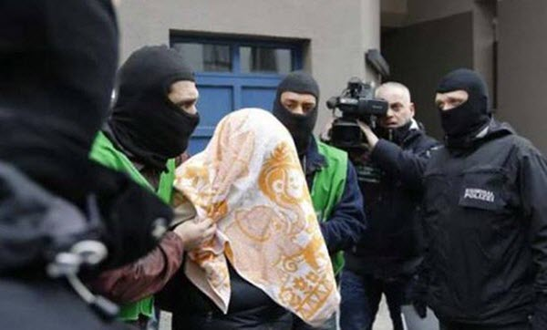 #Germany Sentences #Iran Regime&#39;s #IRGC Intelligence Agent to Imprisonment.  http:// ln.is/www.ncr-iran.o rg/en/FiK8h &nbsp; … <br>http://pic.twitter.com/2UK8Zi2VcW