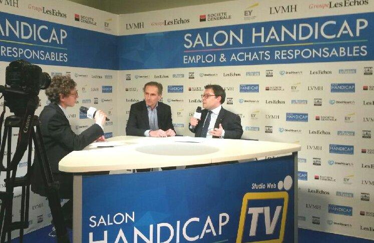 Représentant @FrancoisFillon au #SalonHandicap. Le seul candidat à faire des propositions pour le secteur adapté. #emploi #formation<br>http://pic.twitter.com/NMbrL6HCht