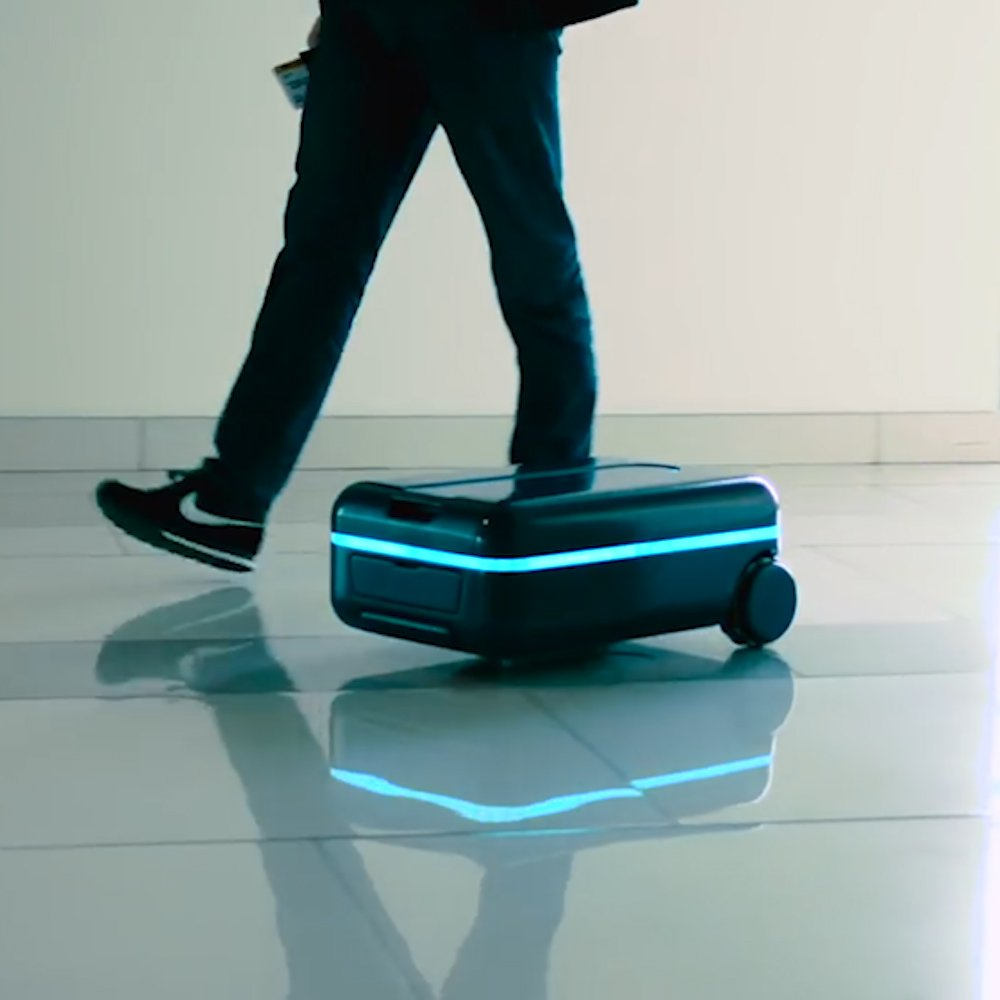 This robot suitcase will follow you around #TravelTuesday https://t.co...
