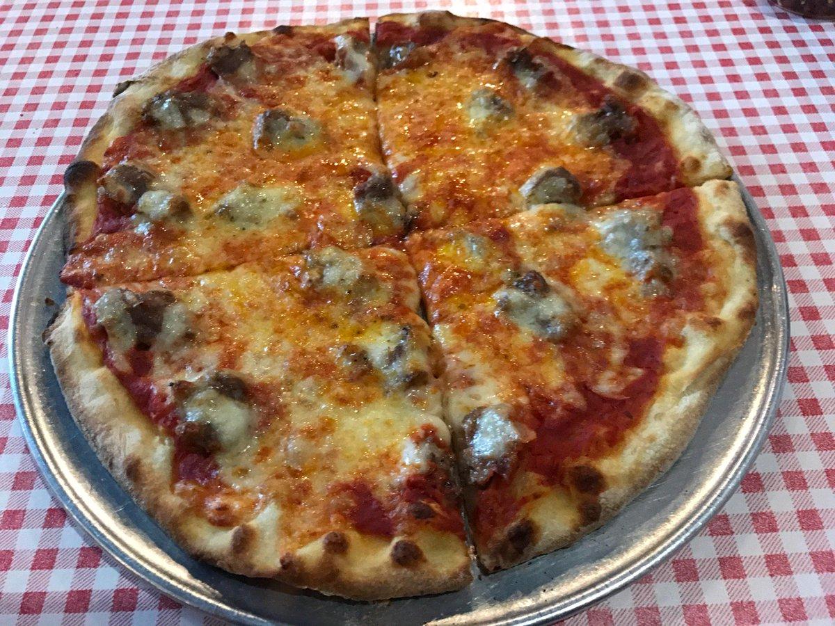I'm at Bongiorno's Italian Deli & Pizzeria - @bongiornoschi in Chicago, IL https://t.co/exaoXsSVcI https://t.co/Rg3QdwBASb