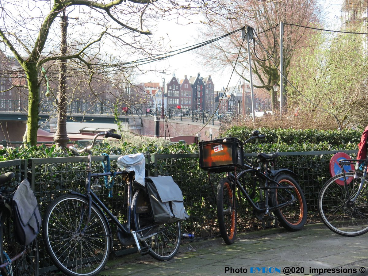 Oude Schans #Amsterdam <br>http://pic.twitter.com/nOy8BUi3QG