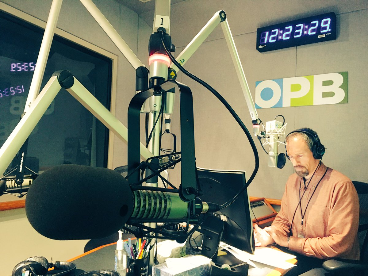 On @OPBTOL today talking #Right2DreamToo &amp; #homelessness. House the people! #PDX <br>http://pic.twitter.com/jlmuVrE9LY