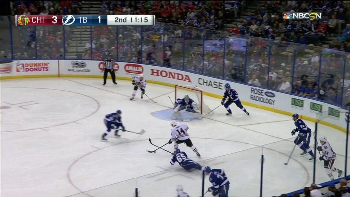 Richard Panik with the extra effort to give the @NHLBlackawks a 4-1 le...