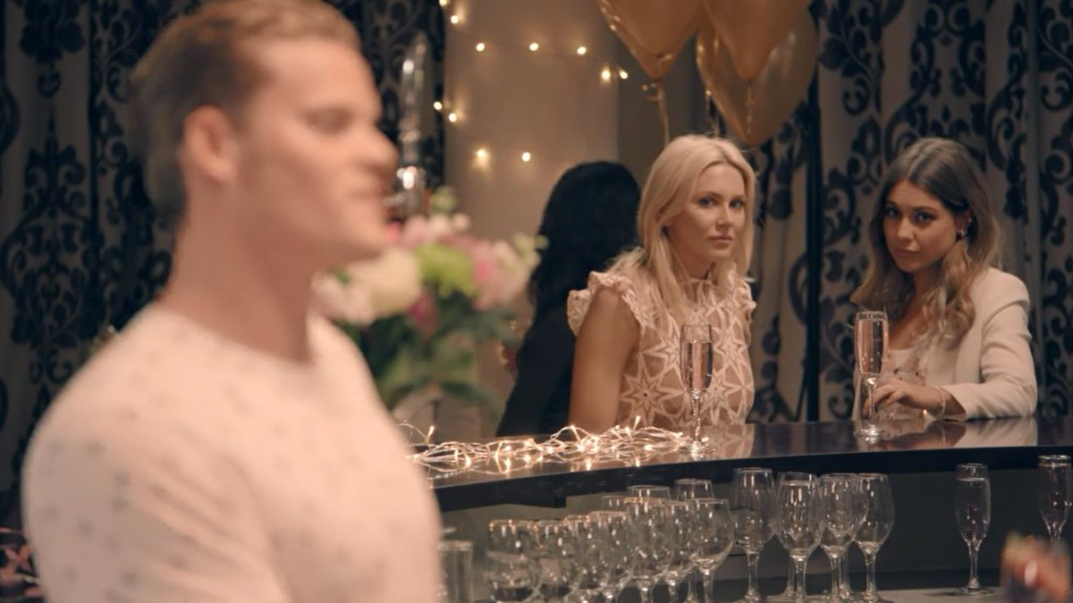 Not even pretending not to eavesdrop… #MadeInChelsea https://t.co/s3GG...