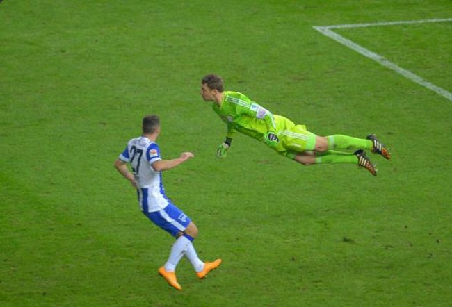 Happy Birthday Manuel Neuer - the world\s best flying sweeper keeper!