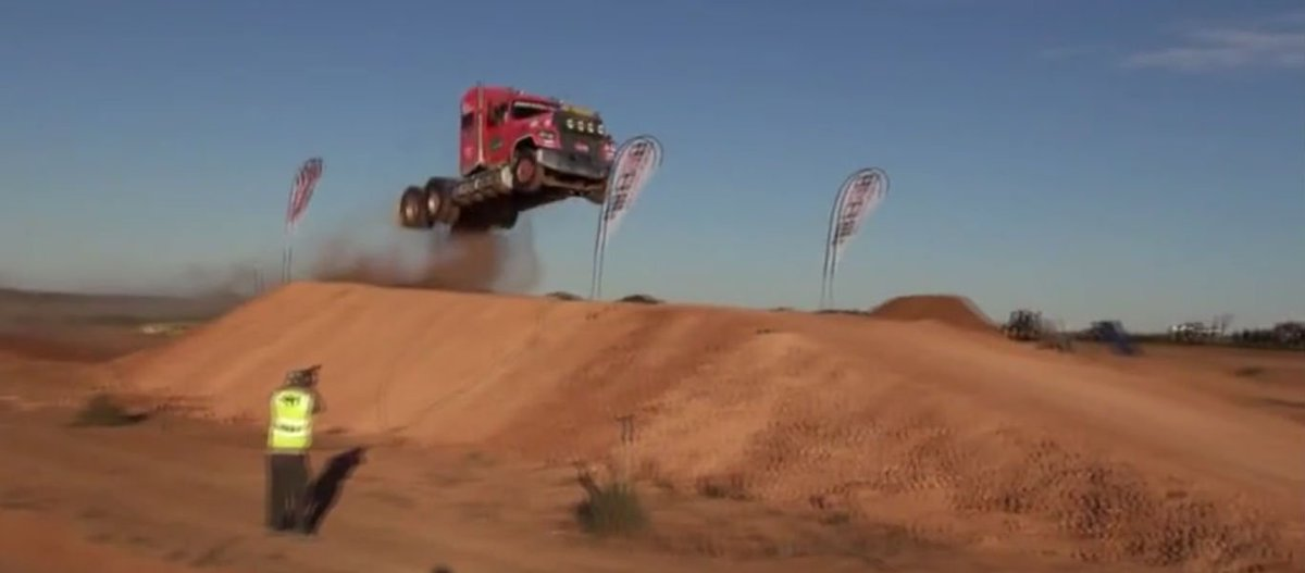 Massive Semi Truck Jump HUGE AIR  VIDEO  http:// dld.bz/eRRgG  &nbsp;    #extreme #stunts #truck #wow #awesome #epic<br>http://pic.twitter.com/ozFtj12bPM