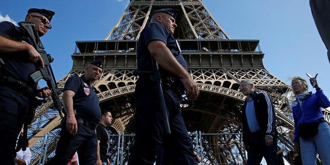 Le Conseil de Paris vote l'installation d'une «paroi en verrepare-balles» autour de la…  http:// dlvr.it/NksF43  &nbsp;   #Breaking #BreakingLive<br>http://pic.twitter.com/376UggWm2g