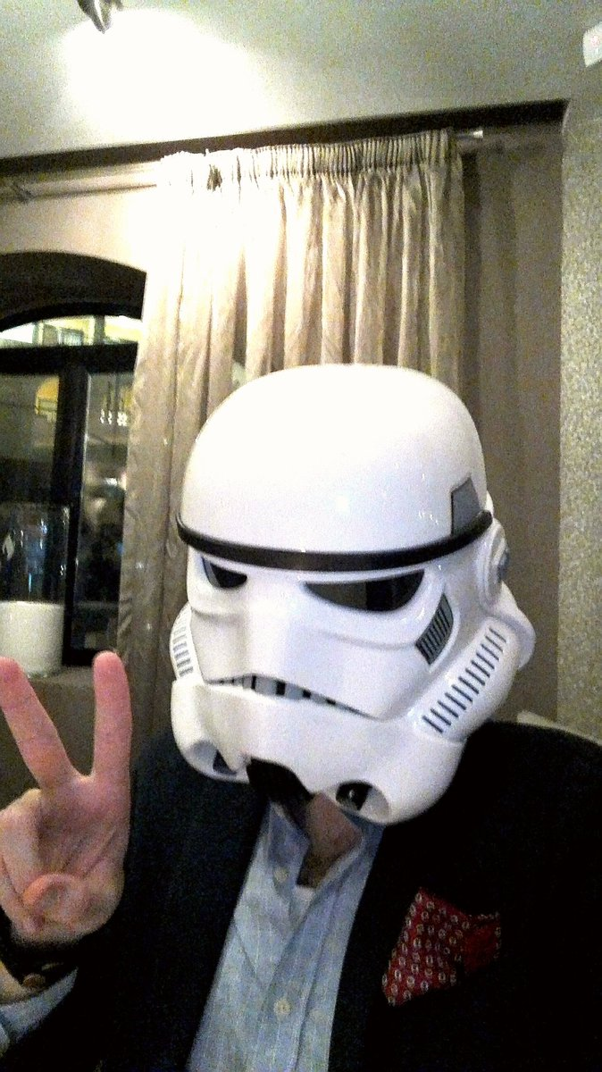 Peace out, from your friendly neighborhood #stormtrooper! #malta #caviar&amp;bull #vlogger #vlogging #finedining #StarWars<br>http://pic.twitter.com/vr01VsB3yh