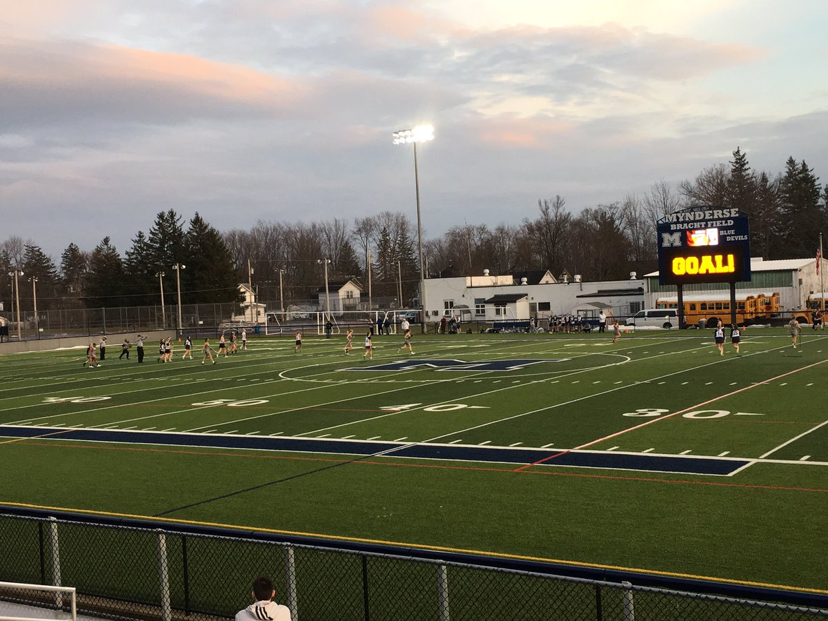 Blue Devils roll to playoff win over Avon