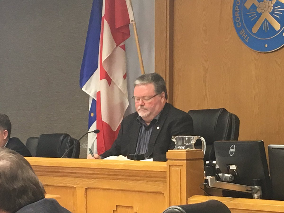 The Mayor briefly looked vastly different #TimCC #Timmins https://t.co...