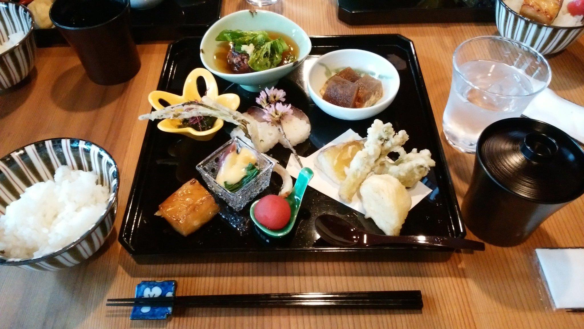 11月のプレスツアーでもお世話になった #金山町 の #和香 でお昼をいただきます。 https://t.co/EEJSaMtMNm