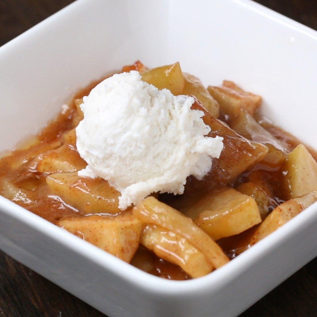アイスを添えて♪ あつあつキャラメル焼きりんご #tastyjapan
