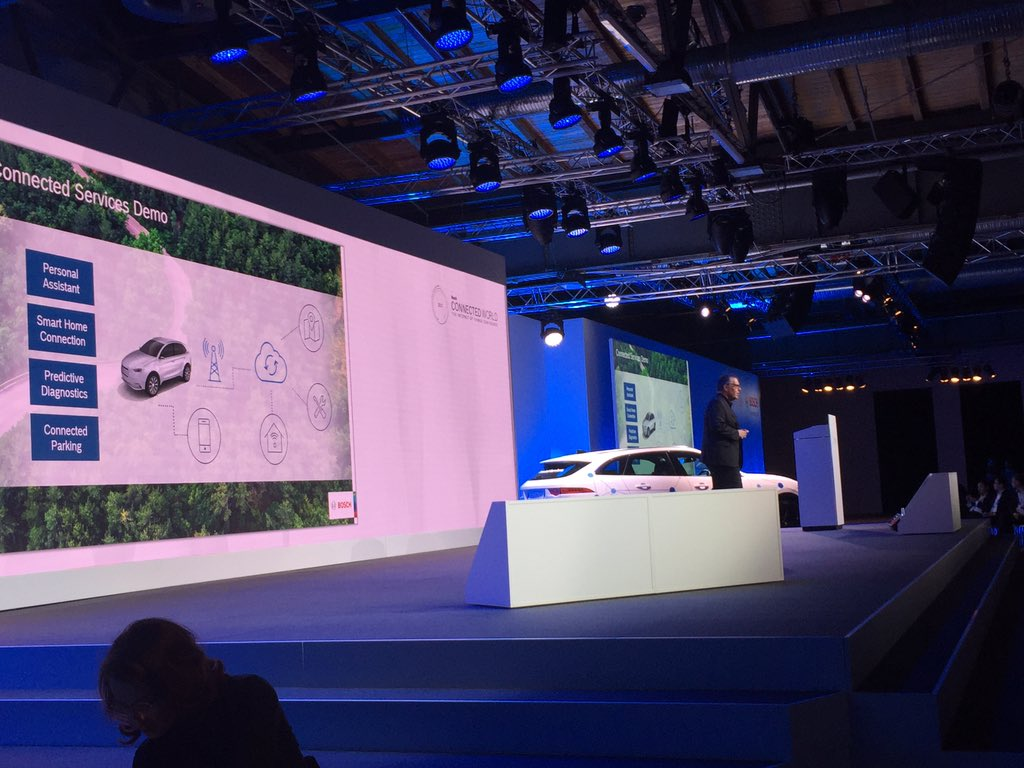 Dirk Hoheisel shows in his demo what is already possible with today's technology. #bcw17 #connectedmobility