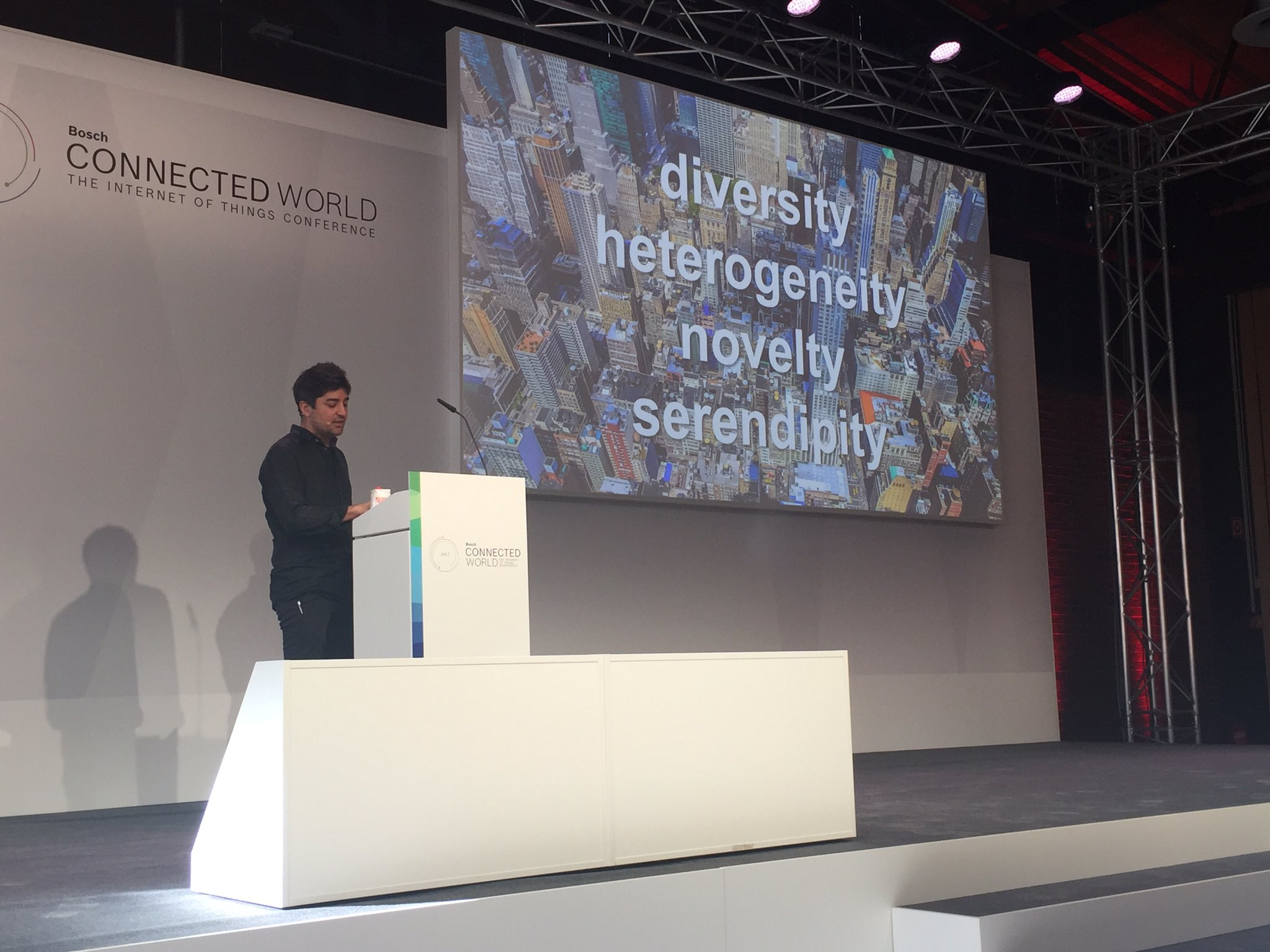 .@uah on smart cities and interoperability: 'Unlock the data to do more useful stuff.' #BCW17 https://t.co/4iZVeAiMs0