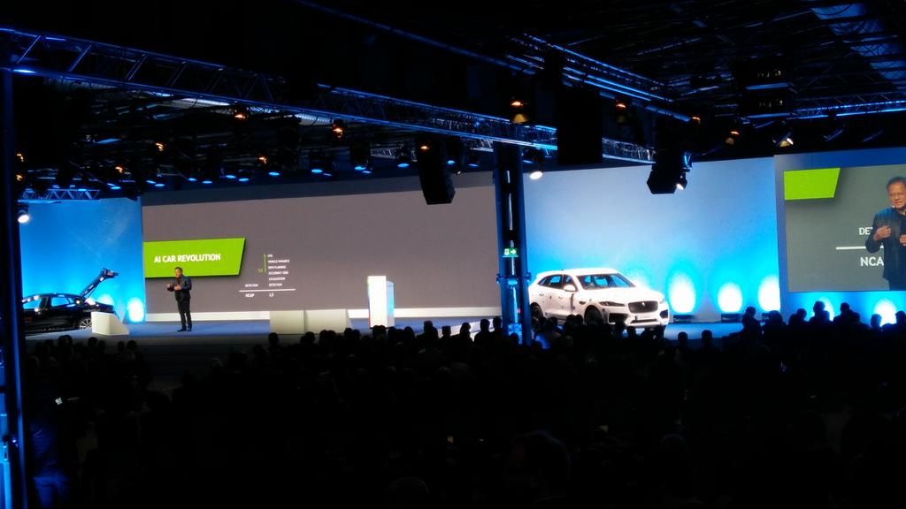 Jen-Hsun Huang, CEO of @nvidia about DNN, Car AI and AI Car Superchips. Great talk! #BCW17 https://t.co/rM5ntjMKj4