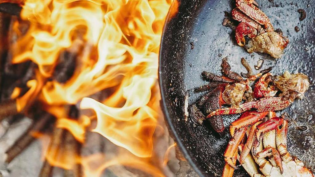 Barbecue is great.  Barbecue when you catch the crab and instantly cook it on the beach in… https://t.co/bUADNLauGc https://t.co/wf9lMOka2r