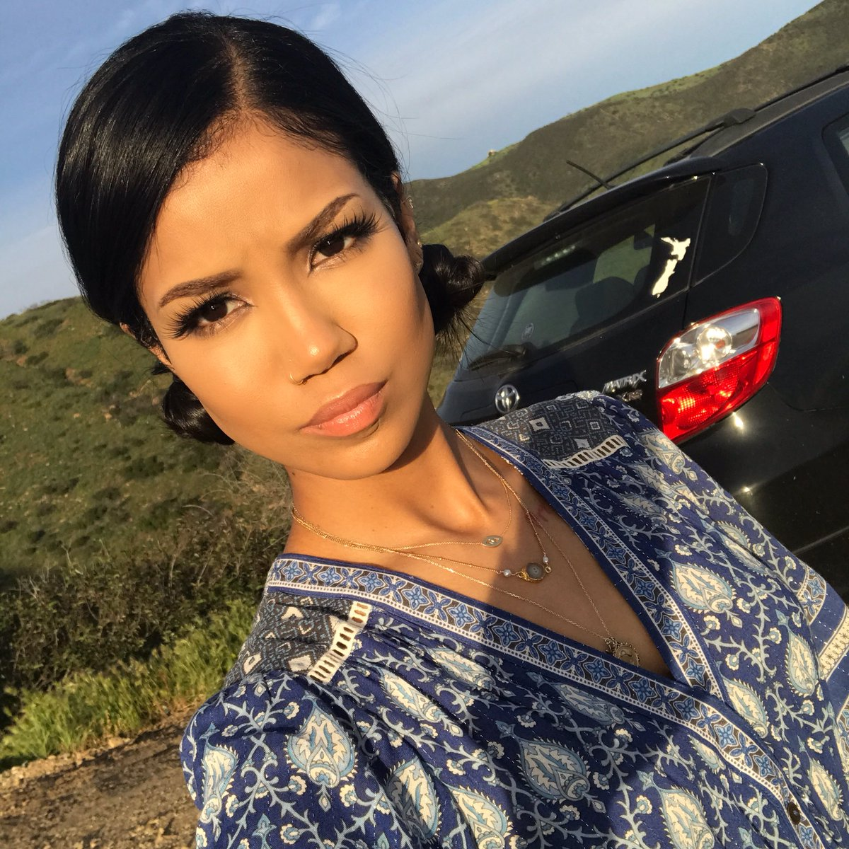 Happy Birthday to the most beautiful n talented @JheneAiko! I love and appreciate you everyday, but today's ya day Né Né! 3.16.88 ❤️☸️🤙🏾