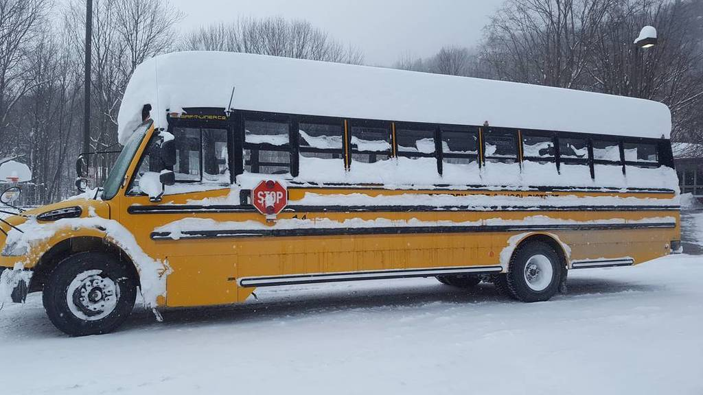 School bus with flat top following storm Stella. https://t.co/PmT7rDNVD4 https://t.co/aMrHwho1G0
