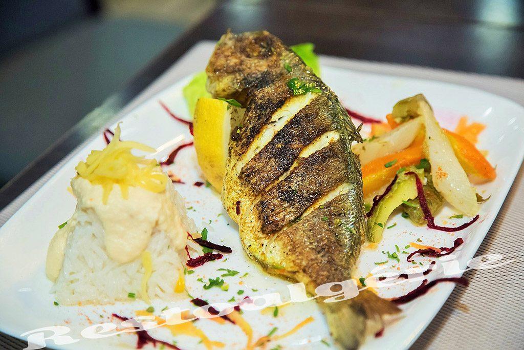 une super #restaurant La brech, profitez de une #réduction de 10 %  avec #restoalgerie   https:// goo.gl/wN9uxB  &nbsp;  <br>http://pic.twitter.com/Mu75Odhhs0