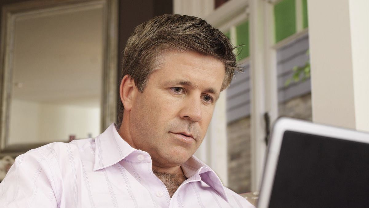 Man Googling 'Tender Lump On Neck' About To Begin Exciting New Phase In Life http://trib.al/gl5Ve36