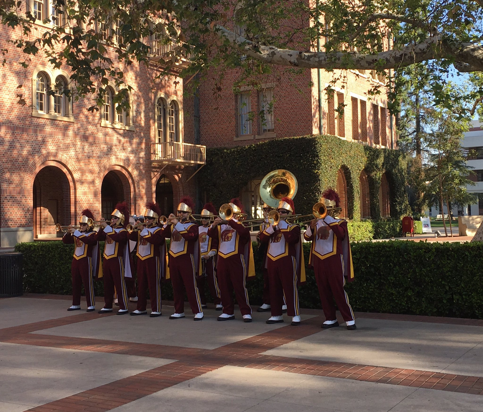 It's a beautiful day for the @USC Women's Conference #USCWC #FightOn https://t.co/BX8vIYLTcY