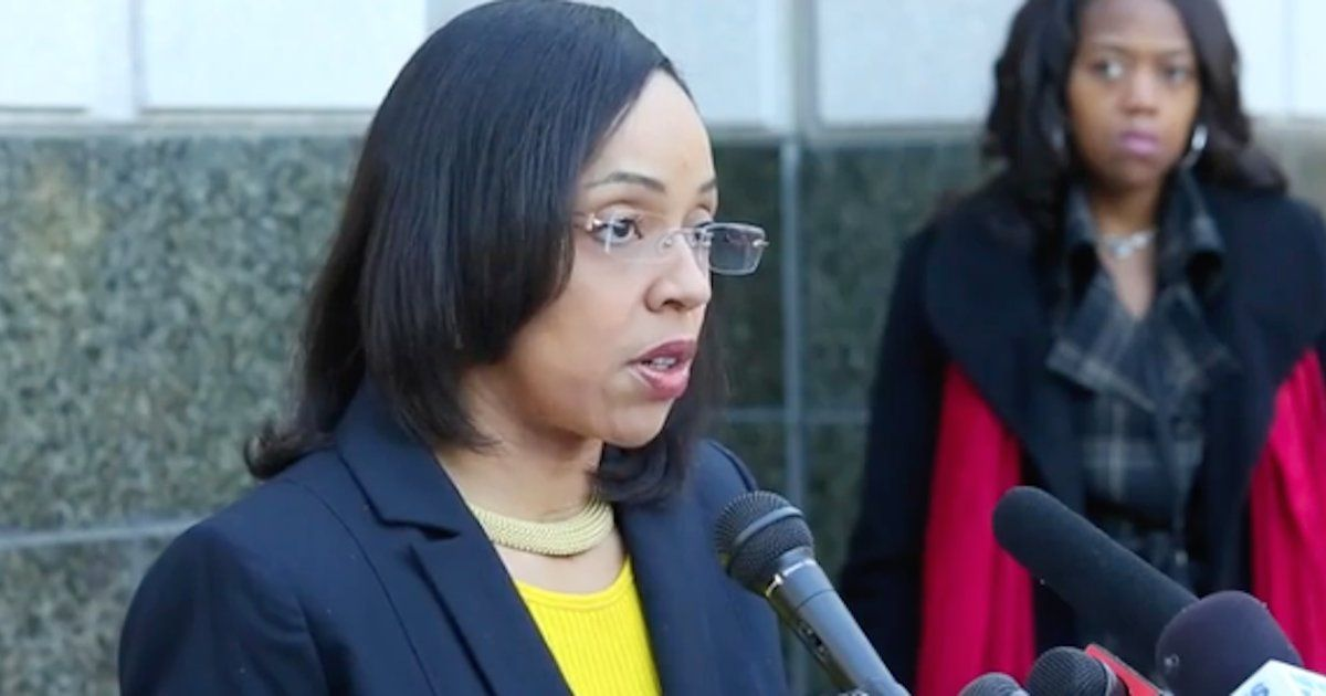 Aramis Ayala, Florida's only black elected prosecutor, just opposed the death penalty https://t.co/8pfuR9SCSk https://t.co/sN9oEjLZ4U