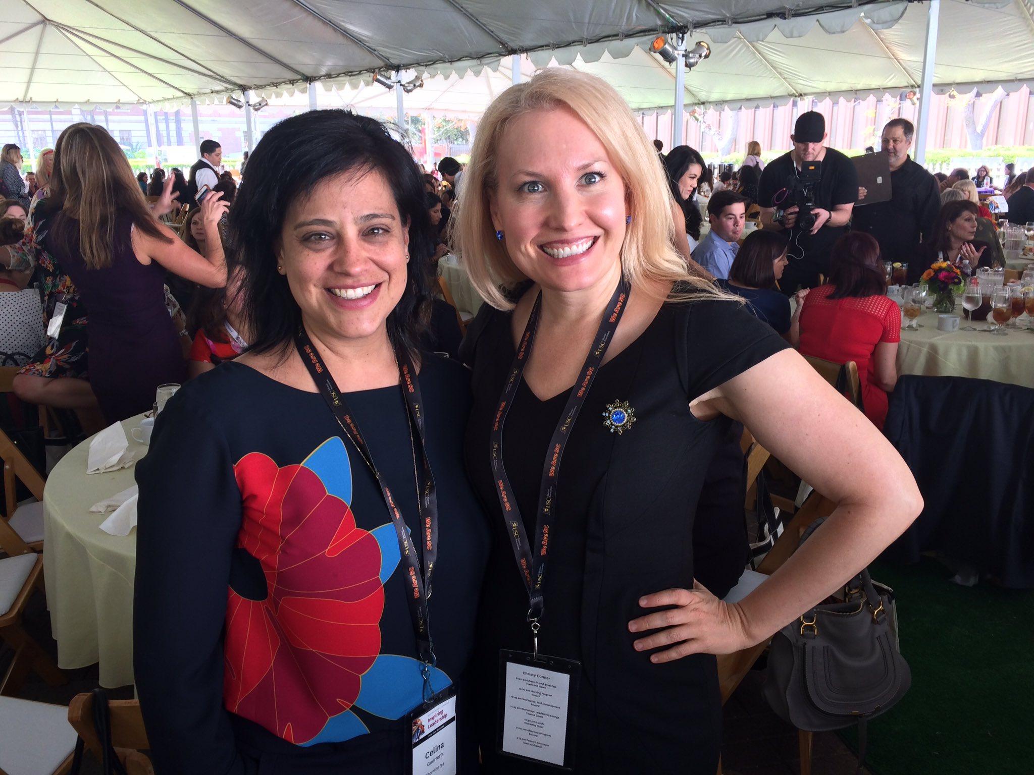 Friday Coffee Meetup ladies @USC Women's Conference 2017 @IPFridayCoffee @_celinaguerrero #USCWC #FightOn @USCAlumni https://t.co/GBFQueLqDs