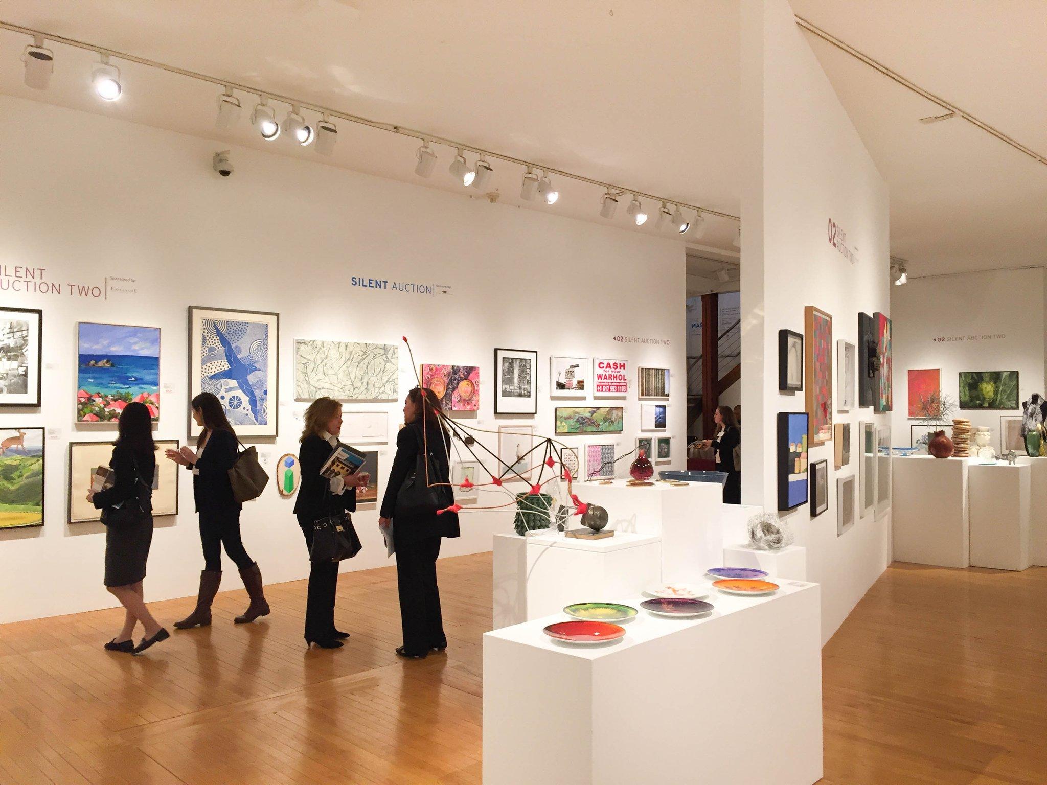For your Thursday afternoon commute home: 5 Upcoming Art Events in Boston https://t.co/KwjkLlDkuw @ICAinBOSTON @MANMWA2 @MassArt #bosarts https://t.co/P75WEyUnap