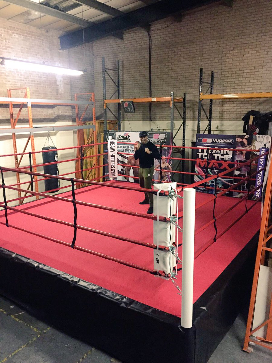 HEAVY HITTERS BOXING GYM! Under construction  #Manchester #Boxing #Fitness #Fighters <br>http://pic.twitter.com/yIEYSHnbTe