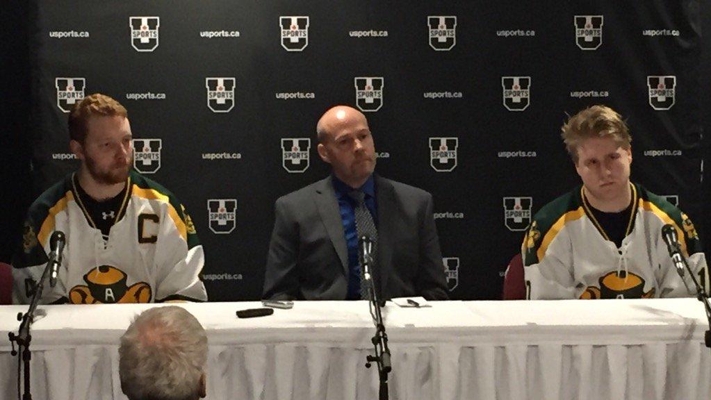 (Radio-Canada):#Hockey : les #Golden Bears éliminés : L&#39;équipe de hockey des Golden Bears..  https://www. titrespresse.com/28459651612/ho ckey-golden-bears-elimines &nbsp; … <br>http://pic.twitter.com/PXt9UEvcIG