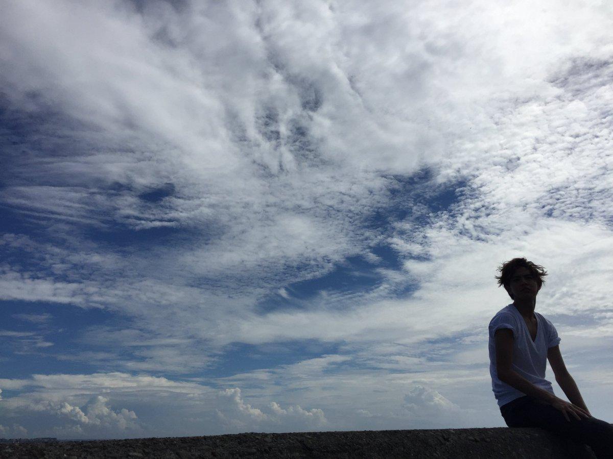 \主題歌決定✨!/ 本作の主題歌が #GENERATIONS from EXILE TRIBEの「空」に決定! そこで、お兄こと片寄涼太さんから #兄こまイマソラ 企画発動✨✨みなさんの「空」をハッシュタグとともにアップして、この「空」のもとで繋がりましょうー ! #兄こま