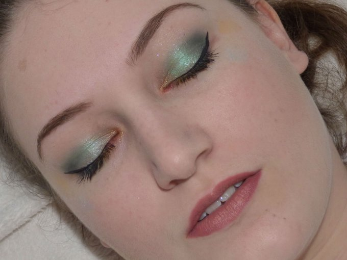 Shimmering Shamrock // St Patricks Day Inspired Makeup