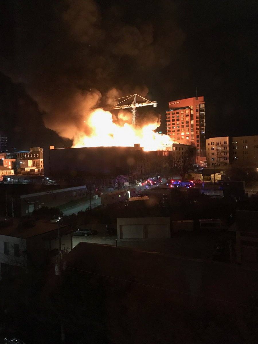 Massive apartment construction fire across from The West - RESIDENTIAL WOOD CONSTRUCTION https://t.co/d0XBJDXgNv