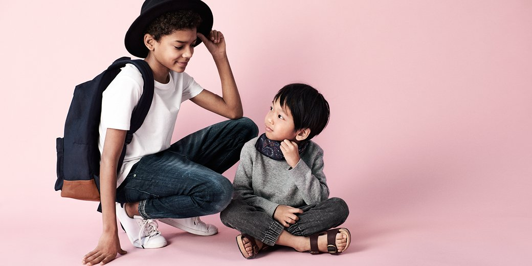Forget about uncomfortable, rigid jeans: the denim joggers are here to stay. #HMKids <br>http://pic.twitter.com/EQQwIvVuhD