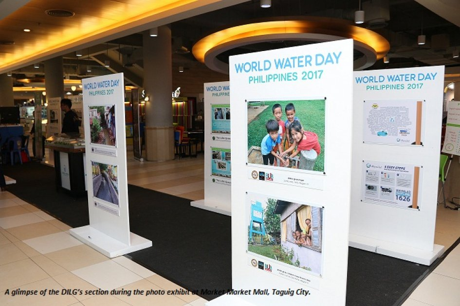 DILG showcases potable water supply projects in mall exhibit https://t.co/szQCS5j0P0 #WWDPH2017 https://t.co/ab1fdZkqpR