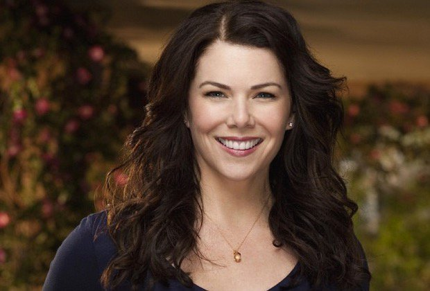 I forgot to do this yesterday. But Happy Birthday to the talented and most funniest person. Miss Lauren Graham.