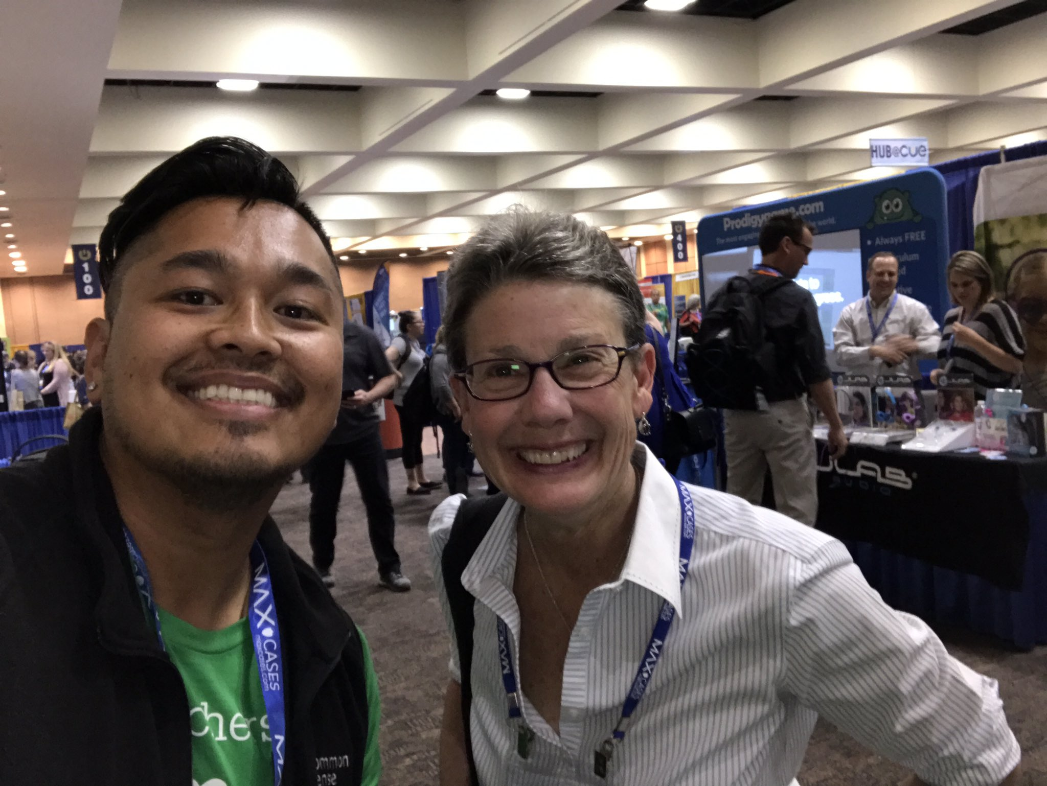 Hey @EllenSeebold hung out with some friends like Jan Half here at #cue17 you two need to get together. https://t.co/3l2XSsTdDu