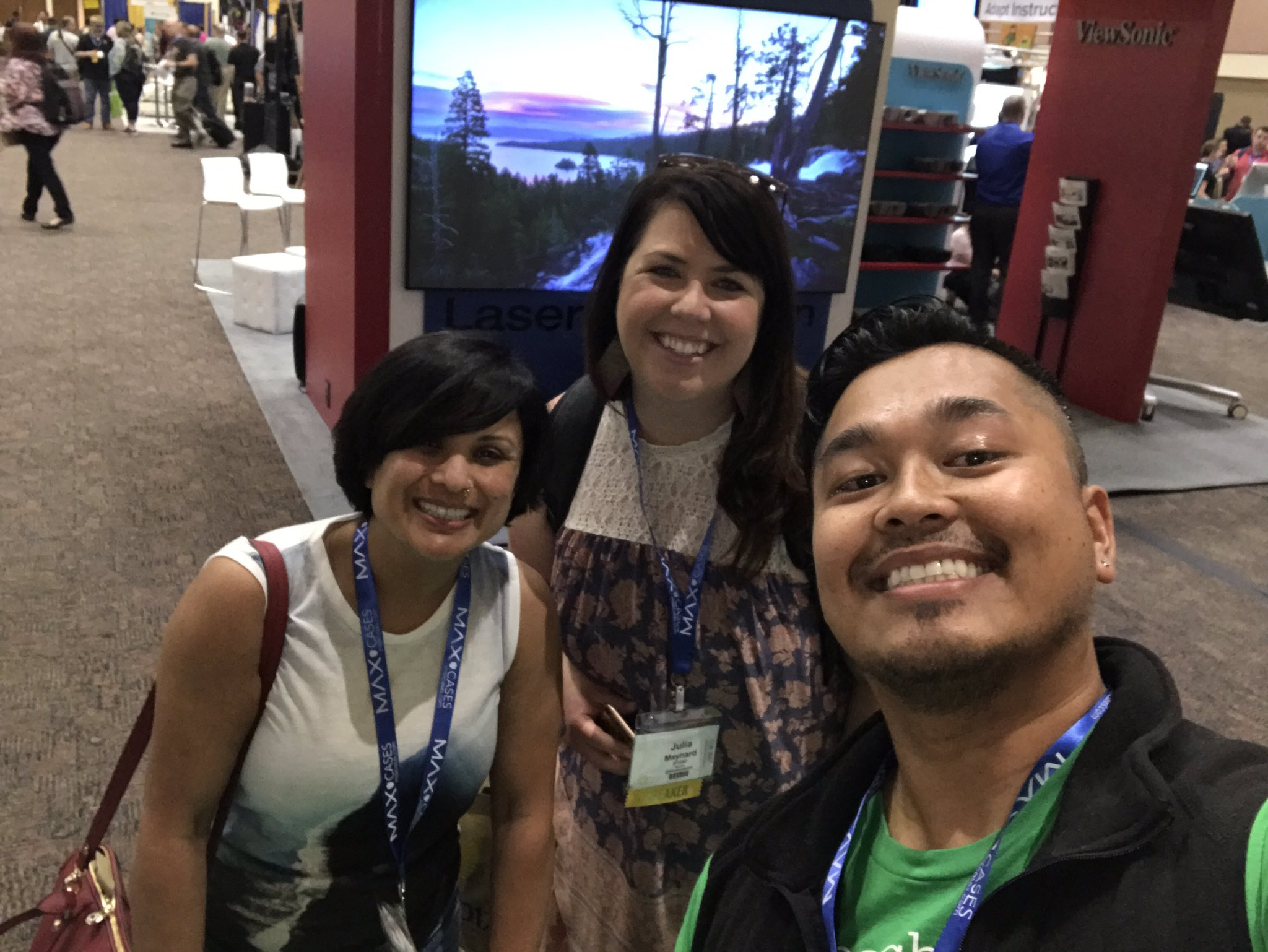 So many smart leaders here at #cue17 @ThiaraBaje @Maynardsixth representing @sfusd & great #collaborators with @CommonSenseEd https://t.co/Gr1RJ3zRgv