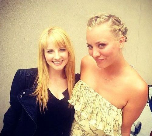 Melissa rauch and kaley cuoco