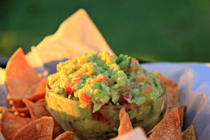 How to Make Simple and Healthy Guacamole